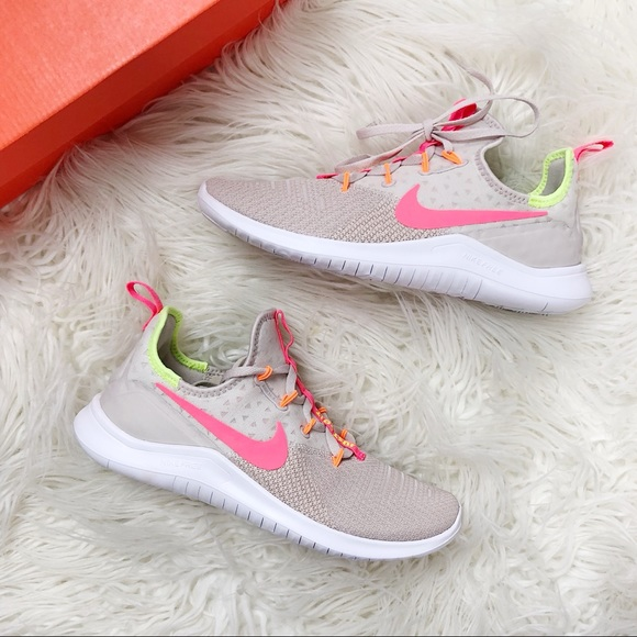 separation shoes d0da1 1cee2 Women's Nike Free TR 8 Desert Sand/Pink Size 8 NWT